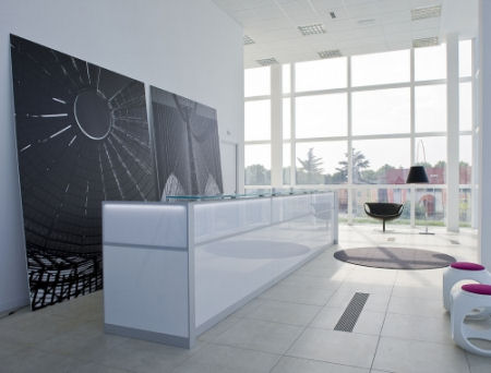 Mobili per l 39 ufficio for Mobili per reception