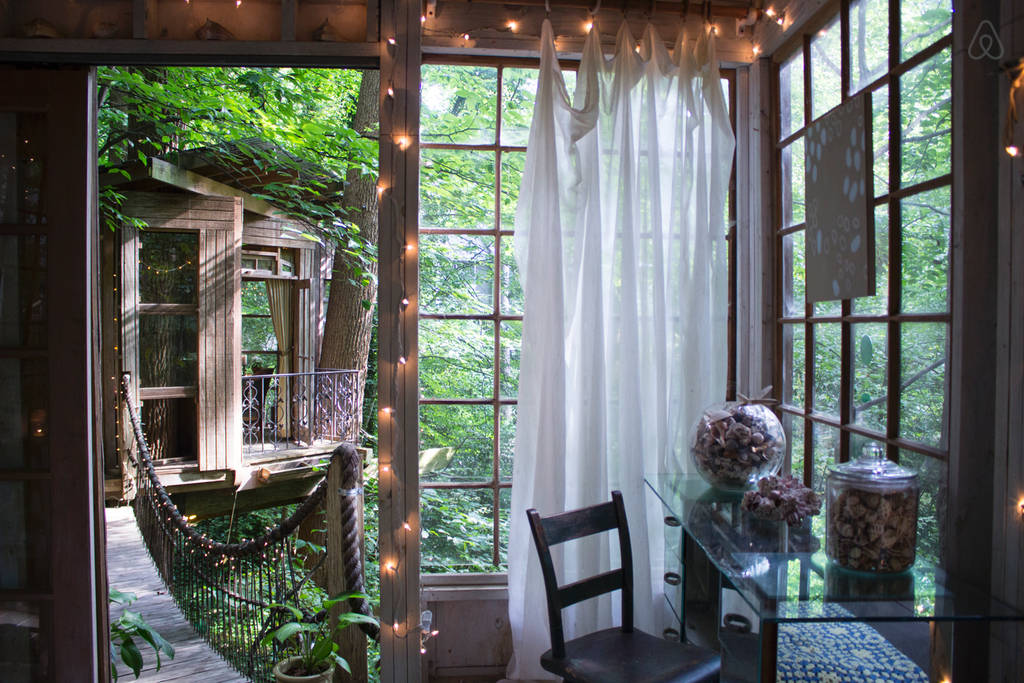 Secluded-Intown-Treehouse1